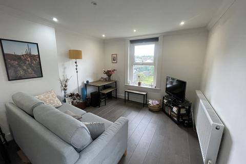 2 bedroom flat to rent - Avondale Road, South Croydon CR2