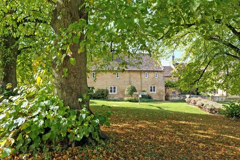 4 bedroom barn conversion for sale - Windrush