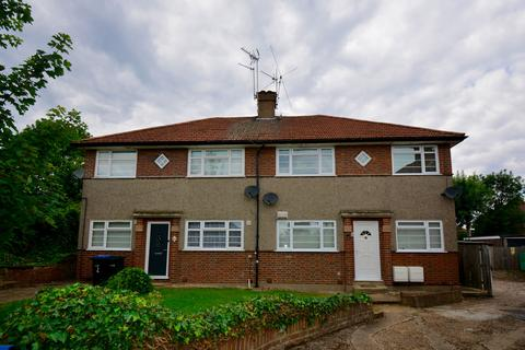 2 bedroom maisonette to rent - Beverley Court