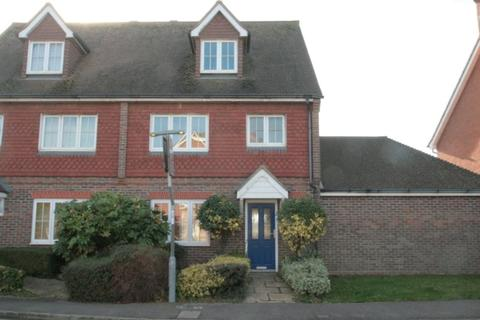 4 bedroom semi-detached house to rent - Bramley Way, Angmering, Littlehampton