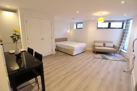 Studio to rent - Albert Road, Bournemouth, Dorset