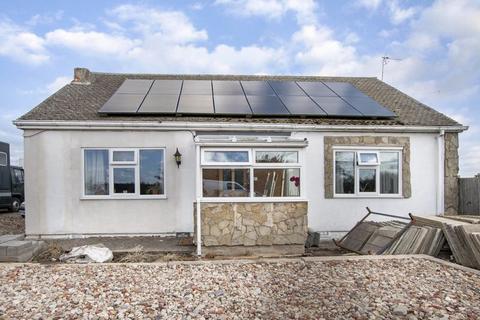 4 bedroom detached bungalow for sale - Retford Road, North Leverton, Retford