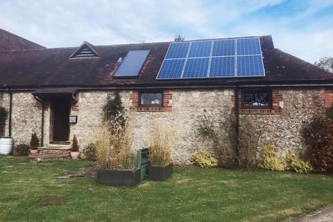 1 bedroom semi-detached bungalow to rent - Newlands Road, Charing