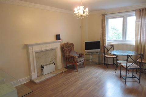 3 bedroom flat for sale - Queens Court, Barrack Road, Newcastle, NE4 6BL