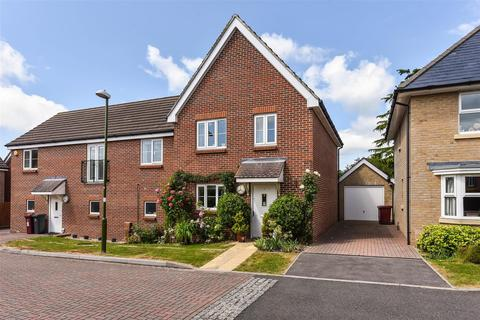 3 bedroom end of terrace house to rent - Cuckoo Fields, Fishbourne