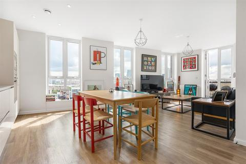 3 bedroom flat for sale - 141 Bow Common Lane, London
