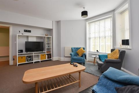 2 bedroom flat for sale - Warrior Square, St. Leonards-On-Sea