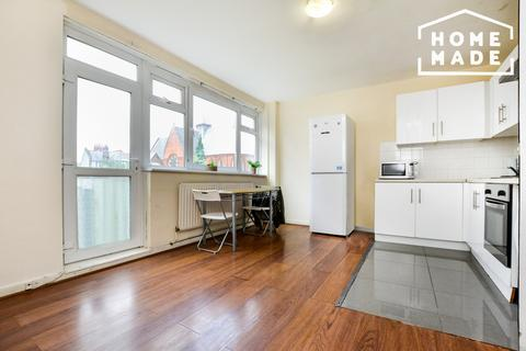 4 bedroom flat to rent - Fellows Court, Homerton, E2