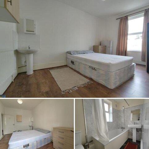 House share to rent - Sebert Road, London E7
