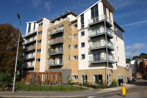 2 bedroom apartment to rent - Coombe Way, Farnborough, GU14