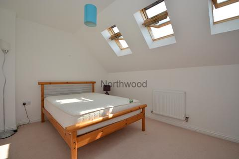 1 bedroom in a house share to rent - Southalls Way, Norwich, NR3