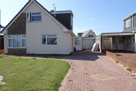 4 bedroom detached bungalow for sale - SANDPIPER ROAD, REST BAY, PORTHCAWL, CF36 3UT