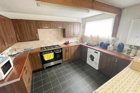 4 bedroom bungalow to rent - Woodrush Close, Beanhill, Milton Keynes