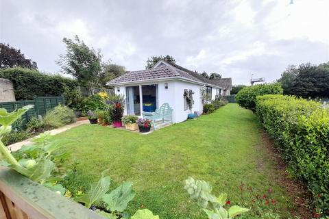 3 bedroom detached bungalow for sale - Lake Lane, Barnham