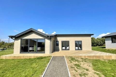 2 bedroom detached house for sale - Sandy Lanes, Military Road, Atherfield, Ventnor