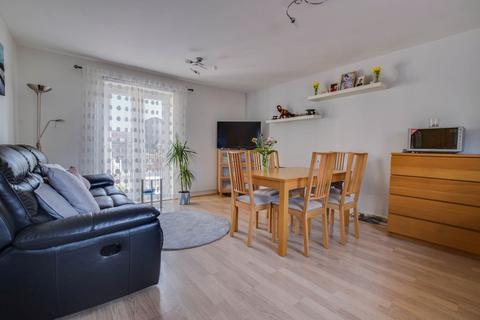 2 bedroom apartment for sale - Mazurek Way, Swindon SN25 1RF