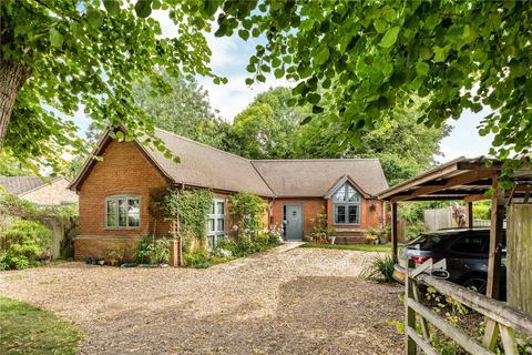 3 bedroom bungalow for sale - Vicarage Road, Marsworth, Tring, HP23
