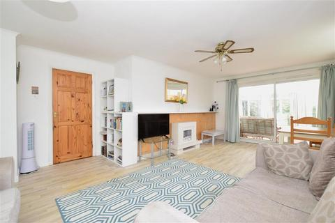 2 bedroom detached bungalow for sale - Walberton Close, Felpham, Bognor Regis, West Sussex