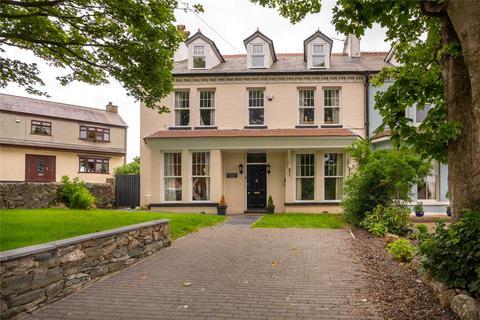 6 bedroom end of terrace house for sale - Sunrise Terrace, Holyhead, Sir Ynys Mon, LL65