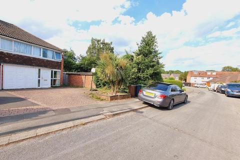 3 bedroom semi-detached house to rent - Bellamy Farm Road, Shirley, B90