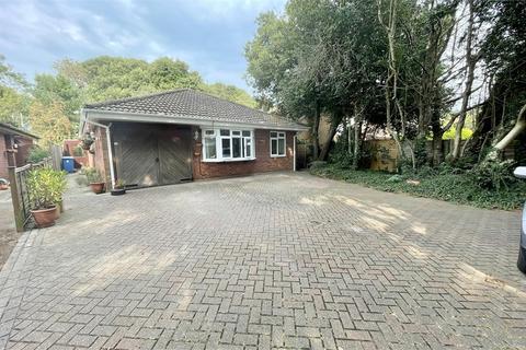 3 bedroom detached bungalow for sale - Vine Farm Close, Talbot Village, Poole