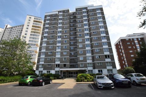3 bedroom flat to rent - Solent Pines, 29 Manor Road, East Cliff