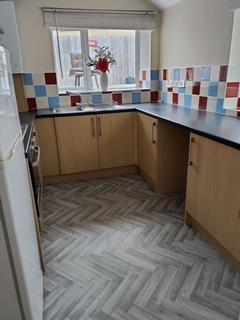 2 bedroom flat to rent - Queen Victoria Road