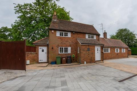 3 bedroom cottage to rent - 3 Bedroom Chestnut Cottage, Bentley Heath, Barnet