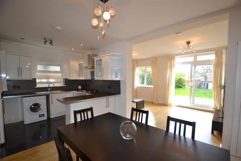 5 bedroom house to rent - Gunnersbury Avenue, Acton, W3