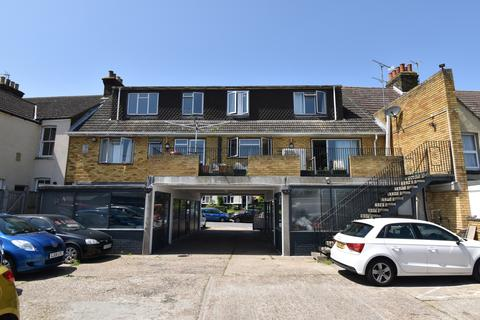 1 bedroom in a house share to rent - Wainscott Road Wainscott ME2