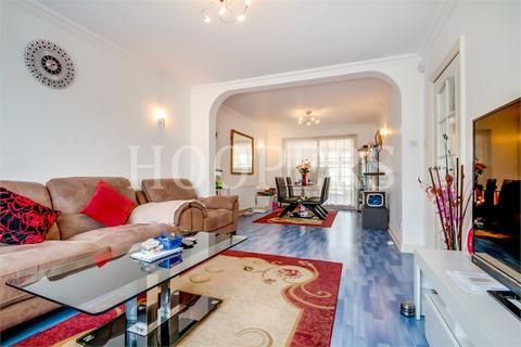 5 bedroom end of terrace house to rent - Tankridge Road, London