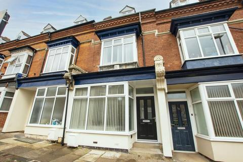 6 bedroom terraced house to rent - Bournville Lane, B30
