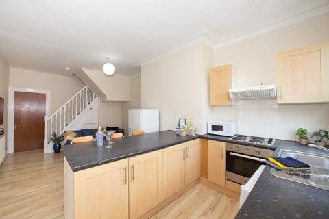 3 bedroom apartment to rent - 12 Cross Woodstock Street, Woodhouse, Leeds, LS2 9JF