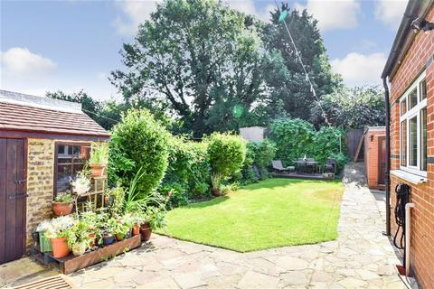 5 bedroom semi-detached house for sale - Boundary Road, Chatham, Kent