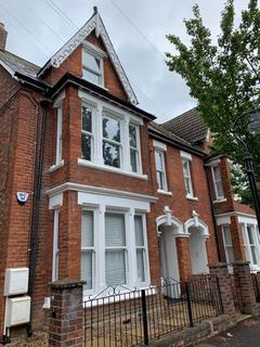 2 bedroom flat to rent - Cornwall Road, Bedford MK40