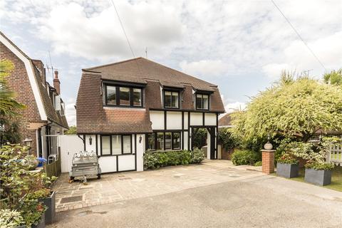 5 bedroom detached house to rent - Barham Road, London, SW20