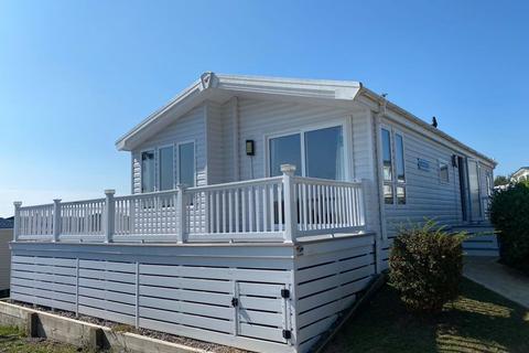 2 bedroom log cabin for sale - Pinehurst Lodge,The Fairway, Sandown