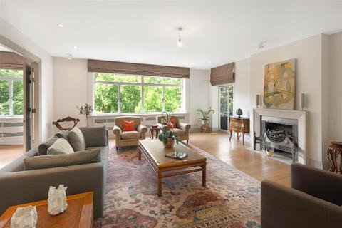 3 bedroom apartment to rent - St. James's Place SW1