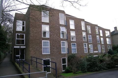 1 bedroom flat to rent - Valley Place, Surbiton