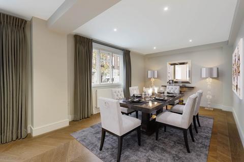 3 bedroom ground floor flat for sale - Sloane Court East Chelsea SW3