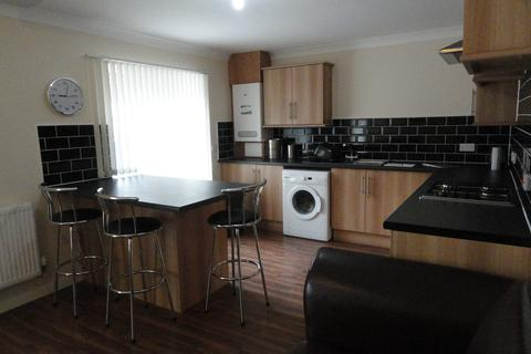 2 bedroom apartment to rent - West Main Street, Armadale