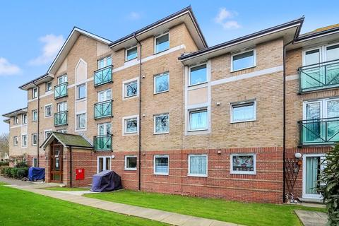 1 bedroom retirement property for sale - TOP FLOOR ONE BEDROOM WELL PRESENTED RETIREMENT APARTMENT WITH LIFT ACCESS & NO ONWARD CHAIN.