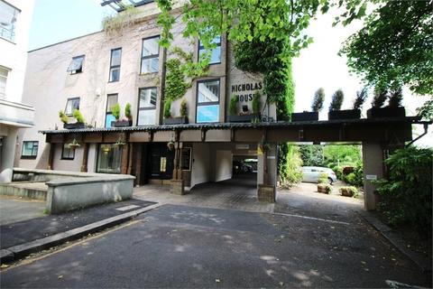 Property to rent - River Front, Enfield