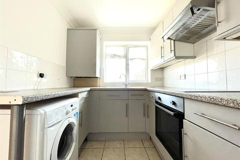 2 bedroom maisonette to rent - The Sunny Road, Enfield