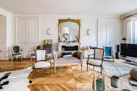 4 bedroom apartment - 75008 Paris 08 Élysée, Paris, Île-de-France