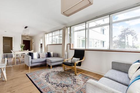 3 bedroom flat for sale - Heronsforde, Ealing