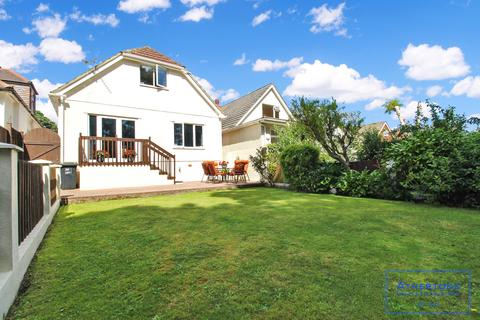 4 bedroom bungalow for sale - Pine Vale Crescent,  Bournemouth, BH10