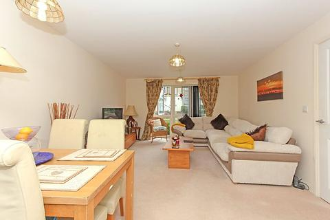 2 bedroom apartment for sale - Willow Tree House, Nettle Way, Minster on Sea, Sheerness, ME12