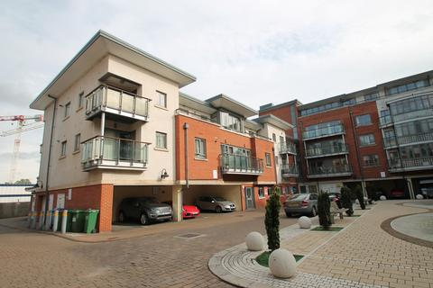 2 bedroom apartment to rent - Victoria Court, Town Centre