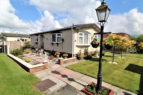 2 bedroom park home for sale - B Woodside, Mossways Park, Wilmslow